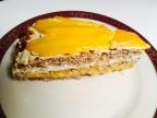 Haselnuss-Biscuit mit Mango-Füllung